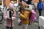 Návrat prvňáků a druháků do škol, středa 18.11. 2020. Ilustrační foto