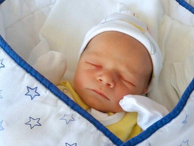 Štěpán Klevar, Horka nad Moravou, narozen 1. června ve Šternberku, míra 48 cm, váha 3050 g