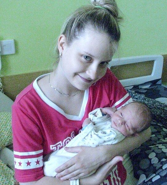 Daniel Králík, Hranice, narozen 21. června v Olomouci, míra 49 cm, váha 3020 g