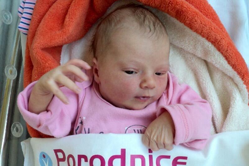 Eliška Hlaváčová, Náklo narozena 28. srpna míra 50 cm, váha 3120 g