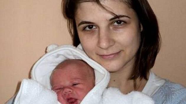 Tereza Joklová, Štěpánov, narozena 14. ledna ve Šternberku, míra 48 cm, váha 3140 g.