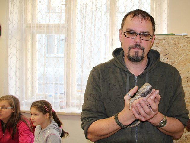 Pavel Sova, vedoucí chovatelského kroužku při Domě dětí a mládeže Litovel.