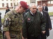 Návštěva prezidenta Zemana u 601. skupiny speciálních sil v Prostějově