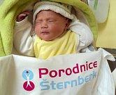 Dorotka Hamplová, Olomouc, narozena 19. února ve Šternberku, míra 48 cm, váha 3280 g