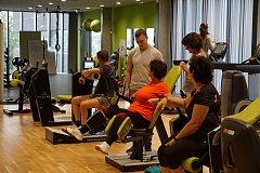 Senioři mohou zdarma cvičit v moderním univerzitním centru Baluo