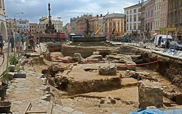 Archeologický průzkum na Dolním náměstí vOlomouci