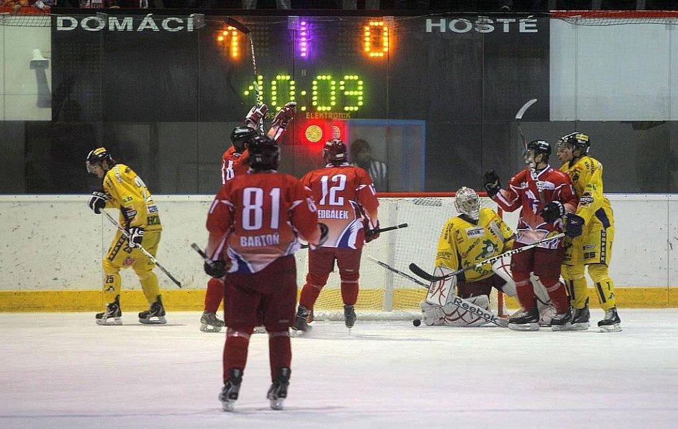 Olomoucká Mora (v červeném) proti šumperským Drakům