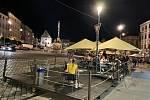 Noční život v centru Olomouce se vrací do normálu, Dolní náměstí, 18. června 2021