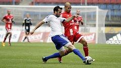 Antonio Romero (v červeném)