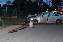 Havárie audi na Černé cestě v Olomouci