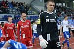 Brankář Sigmy Miloš Buchta (v popředí)