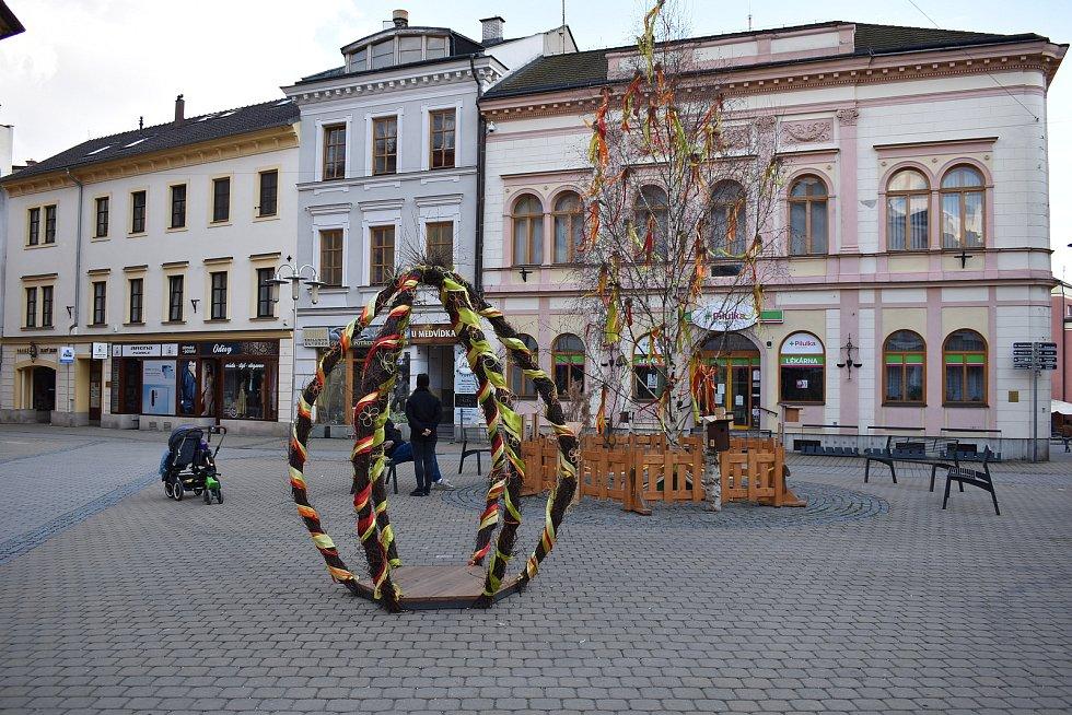 Velikonoční výzdoba v Šumperku. Duben 2021