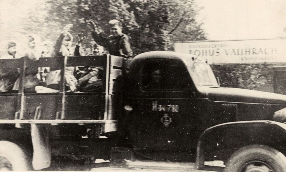 Sovětští vojáci v květnu 1945 v Olomouci