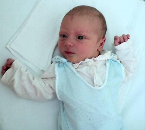 Šimon Trávníček, Štíty, narozen 21. května ve Šternberku, míra 52 cm, váha 3550 g.