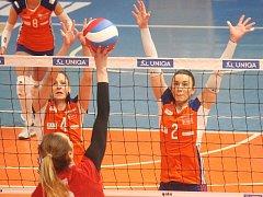 Martina Michalíková (vpravo) a Nikole Sajdová