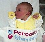 Amélie Podlasová, Olomouc, narozena 17. dubna ve Šternberku, míra 49 cm, váha 3390 g