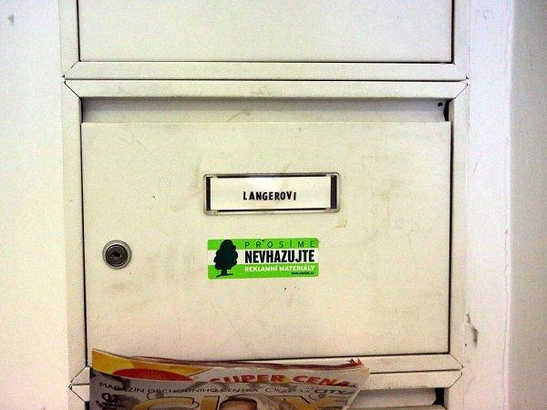 Protikorupční policiei zamířila ido bytu exministra vnitra Ivana Langera vcentru Olomouce