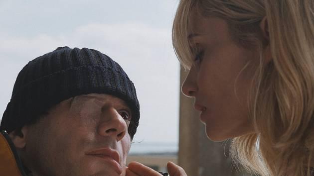 Francouzský film Skafandr a motýl.