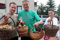 Několik košíků hub si za necelé dvě hodiny odnesli z lesů mezi Protivanovem a Boskovicemi houbaři z Olomouce