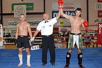 Olomoucký kickboxer Pavel Hennrich (vpravo)