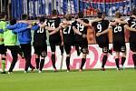 Plzeňští fotbalisté slaví s fanoušky
