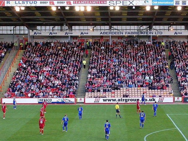 Ze zápasu Aberdeen - Sigma.
