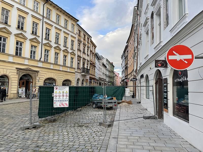 Ostružnická ulice, z Horního náměstí. 13. října 2021
