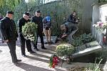 Ostatky žen a dětí z masakru na Švédských šancí z června 1945 byly převezeny z olomouckého hřbitova v Neředíně na hřbitov do Přerova