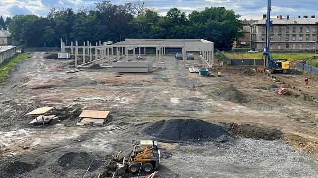 Projekt Byty Šibeník zahrnuje v druhé etapě zástavby obchodní centrum, 30. srpna 2021