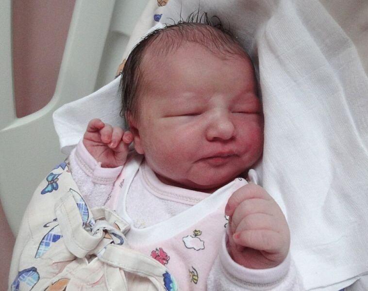 Sofie Lenertová, Doloplazy, narozena 2. září v Olomouci, míra 53 cm, váha 3900 g.