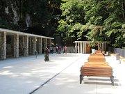 Vchod do Javoříčských jeskyní