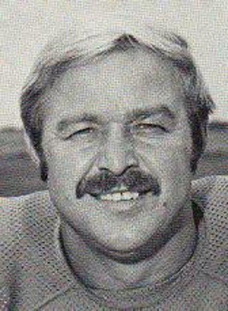 Miroslav Rödr, rodák zOlomouce, byl v70. letech prvních Čechem, který pronikl do slavné ligy amerického fotbalu NFL. Profilová fotka Mirro Rodera zdoby působení vTampa Bay Bucaneers.