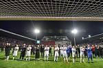 Finále fotbalového poháru MOL Cupu: FC Baník Ostrava - SK Slavia Praha, 22. května 2019 v Olomouci. Hrači Baníku děkují fanouškům.