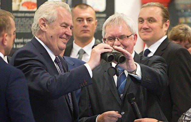 Prezident Zeman na návštěvě vpřerovské Meoptě