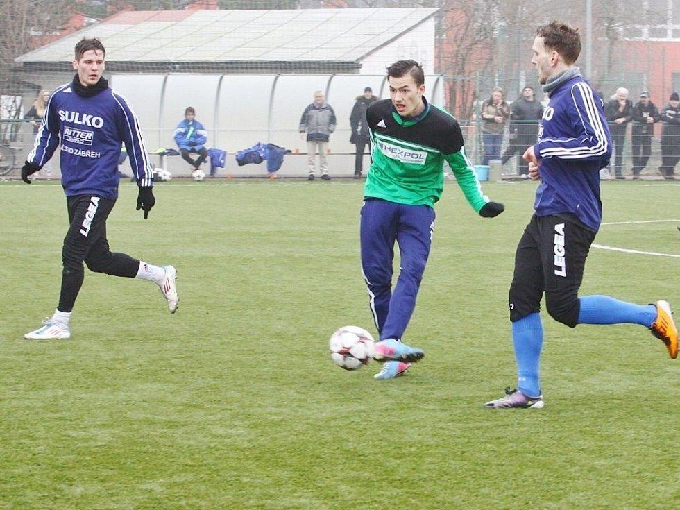 Přípravné utkání mezi SK Uničov (v zeleném) a SULKO Zábřeh.