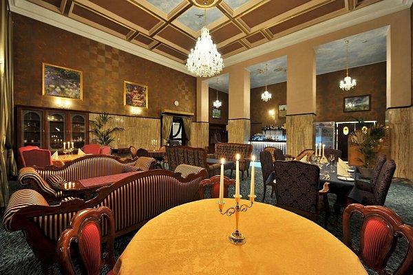 Svatováclavský restaurant otevřel vprotorách bývalé pošty na náměstí Republiky vcentru Olomouce
