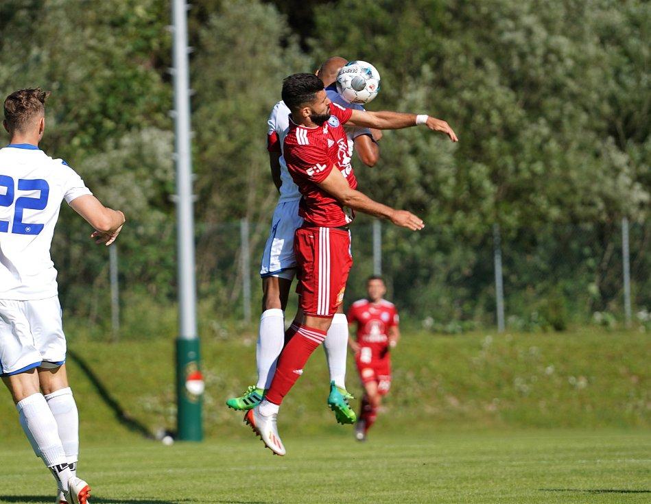 Sigma remizovala v přípravném utkání v rakouském Waidringu s německým Karlsruhe 1:1.Jakub Yunis