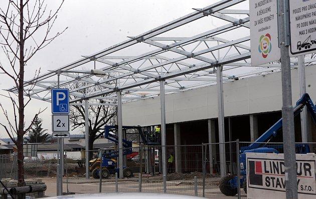 Výstavba další části Nákupního parku Bělidla