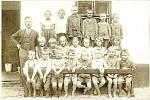 Školní docházka v Přáslavicích. Rok 1927, řídicí učitel Josef Runták.