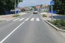 Neznámá řidička srazila na přechodu pro chodce ve Věžní ulici ve Šternberku chlapce, který vedl jízdní kolo. K nehodě došlo v pátek 7. června po 13. hodině.