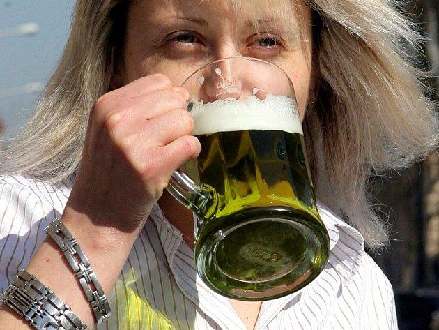 Zelené velikonoční pivo. Ilustrační foto