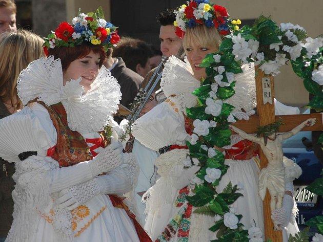 Tradičním průvodem matiček vyvrcholily v Bohuňovicích velikonoční svátky.
