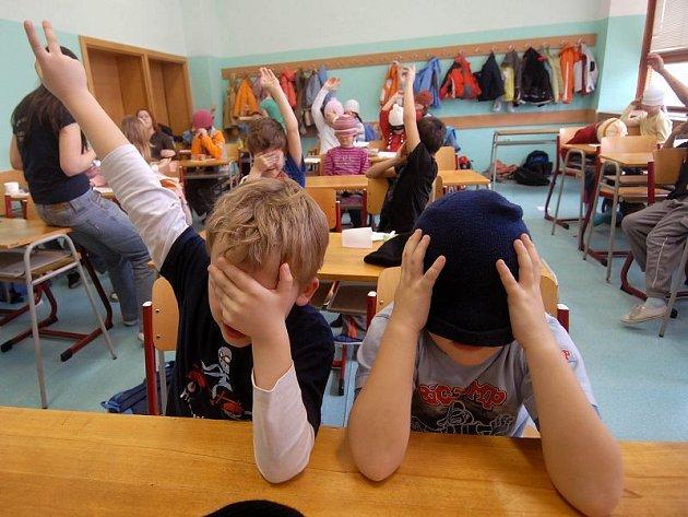 Prázdniny: děti hrají hry na příměstském táboře v Olomouci.