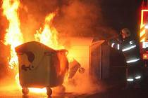 Požár kontejneru. Ilustrační foto.