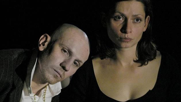 Herec Martin Finger (na snímku s Gabrielou Míčovou) si za roli tyrana a misantropa letos vysloužil Cenu Alfréda Radoka.