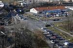 Křižovatka v Předmostí na příjezdu od Olomouce - vlevo uzavřená Polní ulice, vpravo výpadovka na Lipník/Ostravu