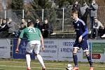 Fotbalisté Uničova (v modrém) proti Hlučínu