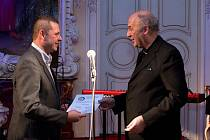 Předávání ocenění dobrovolníků Křesadlo v olomouckém Arcibiskupském paláci