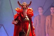 Inscenace Bizetovy opery Lovci perel v Moravském divadle Olomouc