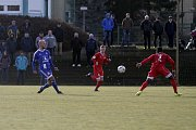 Olomoučtí fotbalisté (v modrém) porazili v přípravě Nitru 1:0.